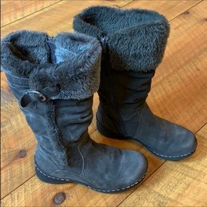 BareTraps Emilse gray suede cold weather boots 6